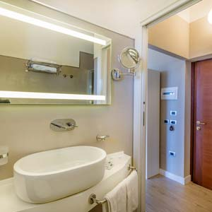 Rooms: Ensuite bathroom